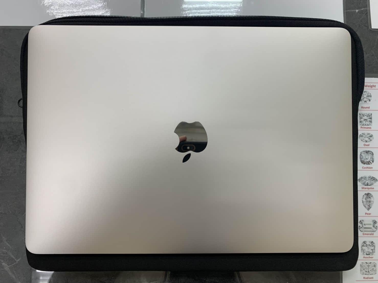 售 蘋果筆電 MacBook Pro 13吋 (A2159)2020製,極新超少使用,贈Magic Mouse 2 (蘋果滑鼠)